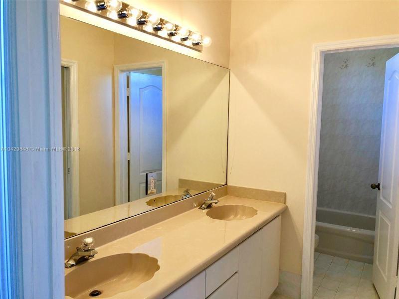 Imagen 26 de Single Family Florida>Miramar>Broward      - Sale:498.900 US Dollar - codigo: A10429848