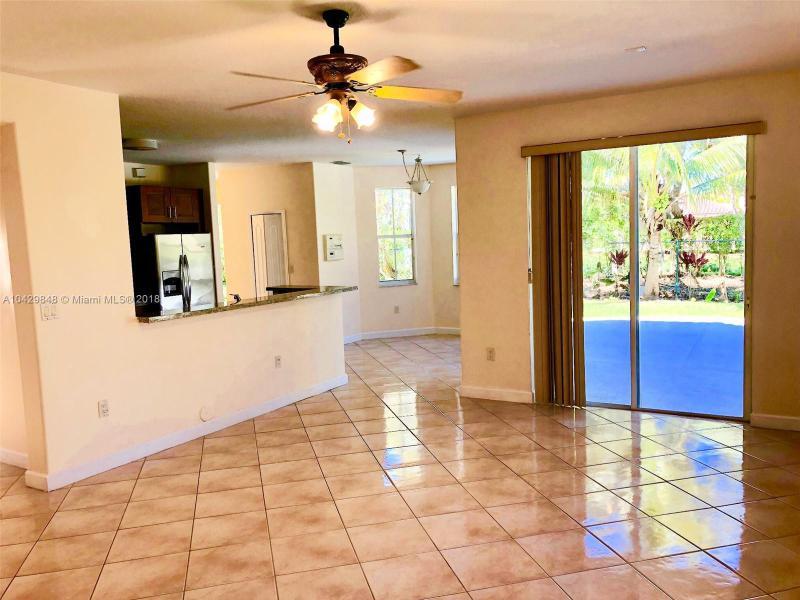 Imagen 5 de Single Family Florida>Miramar>Broward      - Sale:498.900 US Dollar - codigo: A10429848