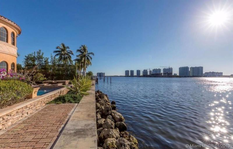 18960 N Bay Rd, Sunny Isles Beach, FL, 33160