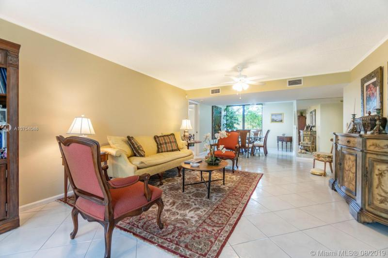 5350 Woodland Lakes 107, Palm Beach Gardens, FL, 33418