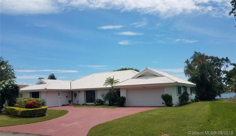 6880 Winged Foot Dr, HIALEAH, FL, 33015
