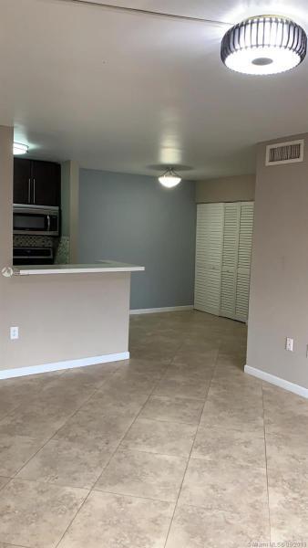 7090 NW 179th St 106, Hialeah, FL, 33015