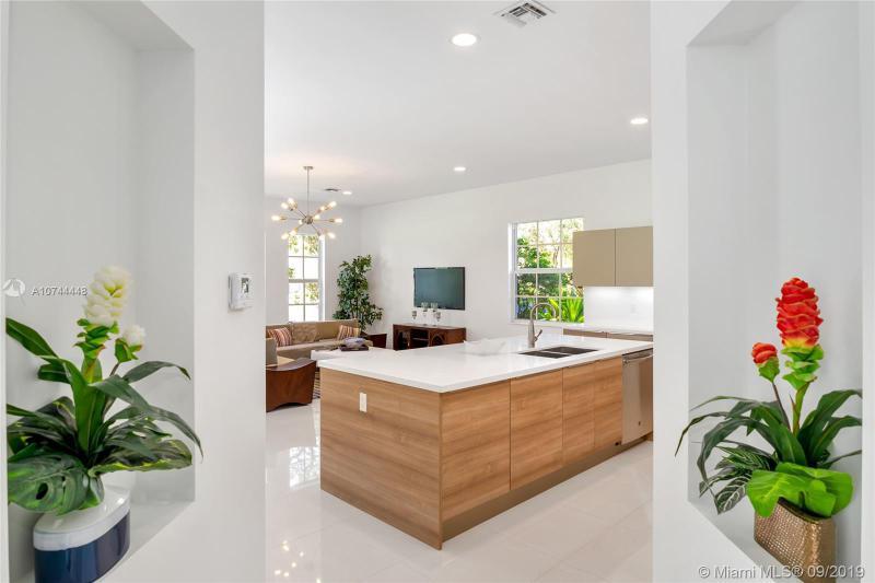 3564 FOREST VIEW CIR, Dania Beach, FL, 33312