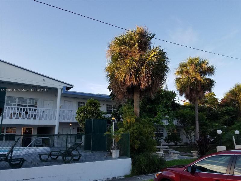 1451 NE 170th St  Unit 202, North Miami Beach, FL 33162-2611
