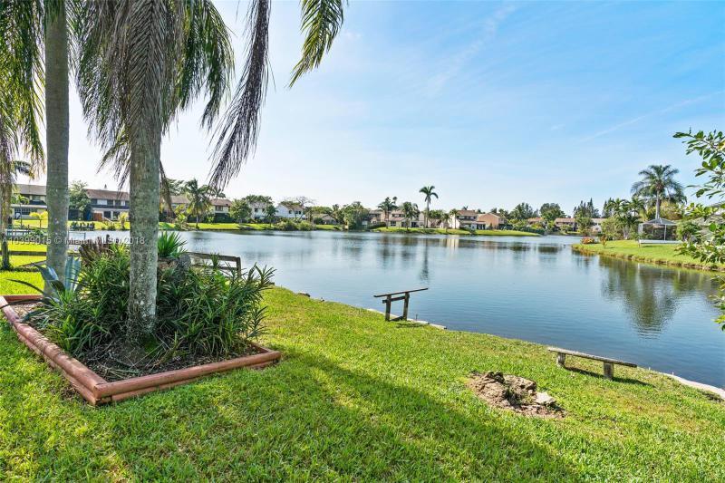 Photo of 4021 SW 82nd Terrace, Davie, FL 33328