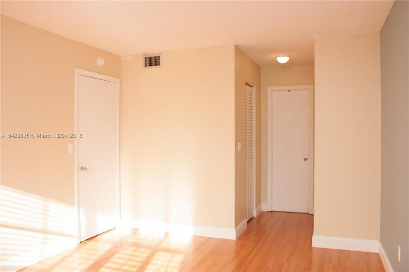 Imagen 19 de Townhouse Florida>Miami>Miami-Dade   - Sale:155.000 US Dollar - codigo: A10429815