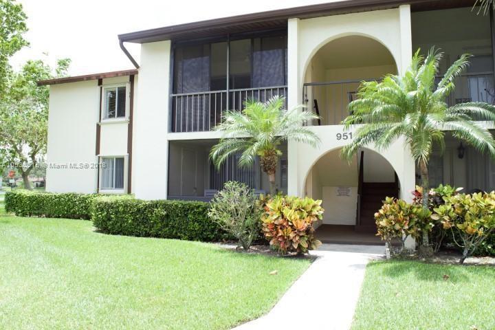 4877 Sable Pine Circle, West Palm Beach FL 33417-