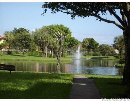 455 Pine Island Rd, Plantation FL 33324-3148
