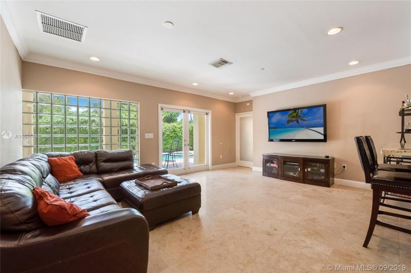 527 Zamora Ave, Coral Gables, FL, 33134