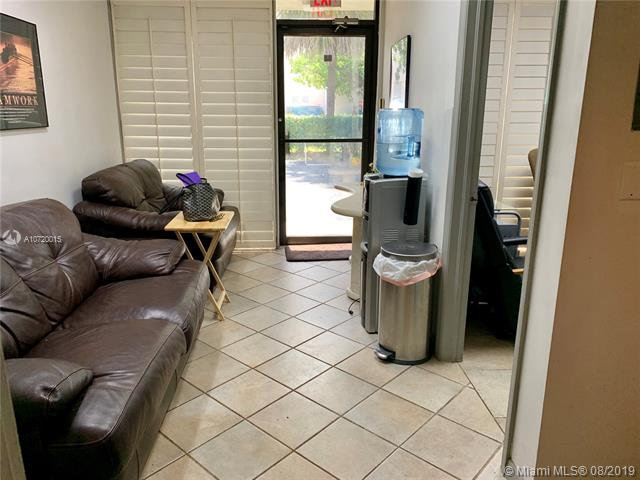 1101 S Rogers Circle 16, Boca Raton, FL, 33487