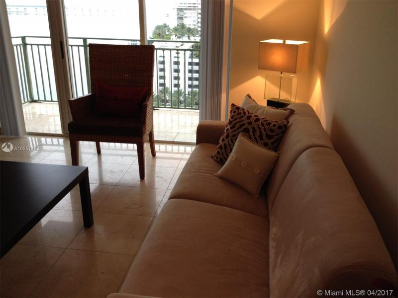 For Sale at  1155   Brickell Bay Dr #1407  Miami  FL 33131 - The Mark On Brickell - 1 bedroom 1 bath A10257182_16