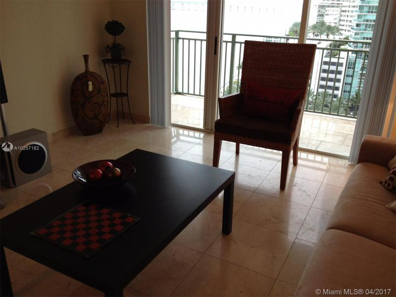For Sale at  1155   Brickell Bay Dr #1407  Miami  FL 33131 - The Mark On Brickell - 1 bedroom 1 bath A10257182_17