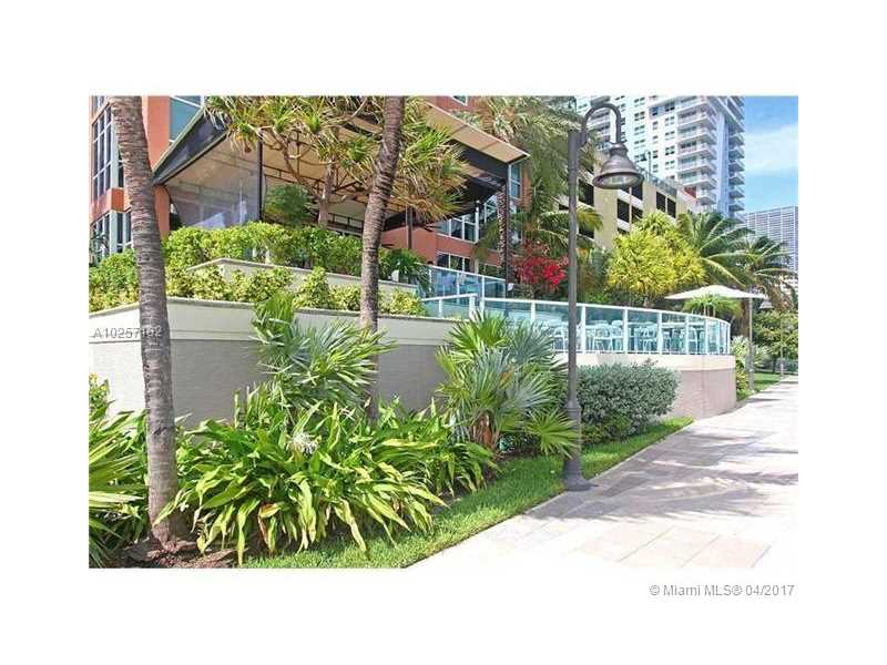 For Sale at  1155   Brickell Bay Dr #1407  Miami  FL 33131 - The Mark On Brickell - 1 bedroom 1 bath A10257182_3