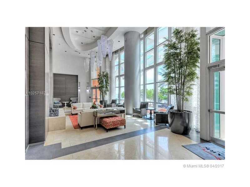 For Sale at  1155   Brickell Bay Dr #1407  Miami  FL 33131 - The Mark On Brickell - 1 bedroom 1 bath A10257182_5