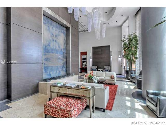 For Sale at  1155   Brickell Bay Dr #1407  Miami  FL 33131 - The Mark On Brickell - 1 bedroom 1 bath A10257182_6