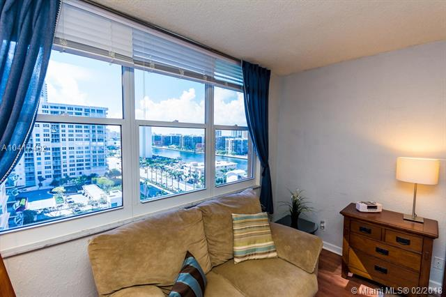 Imagen 20 de Residential Rental Florida>Hollywood>Broward      - Rent:1.900 US Dollar - codigo: A10417482