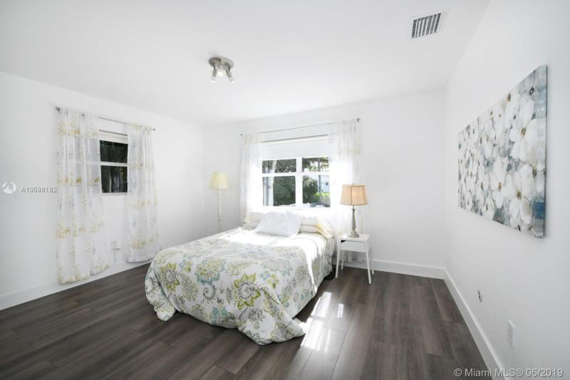 427 Aragon Ave, Coral Gables, FL, 33134