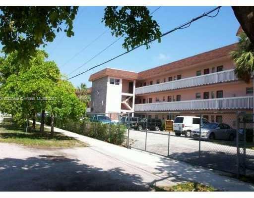 55 204th St  Unit 14, Miami, FL 33169