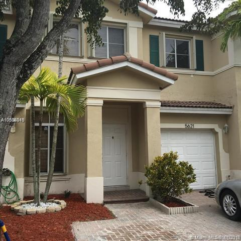 DORAL NORTHEAST TOWNHOMES Dora