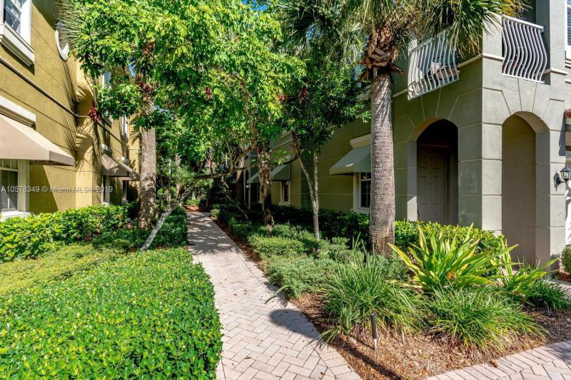 4870  Bonsai Circle  Unit 100, Palm Beach Gardens, FL 33418-