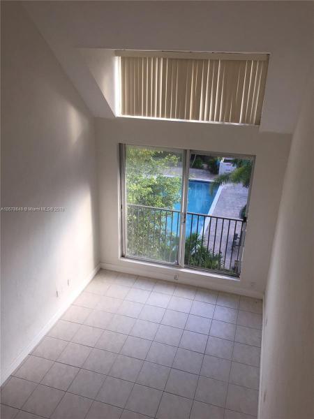 6709 SW 88 Street  Unit 212, Pinecrest, FL 33156-