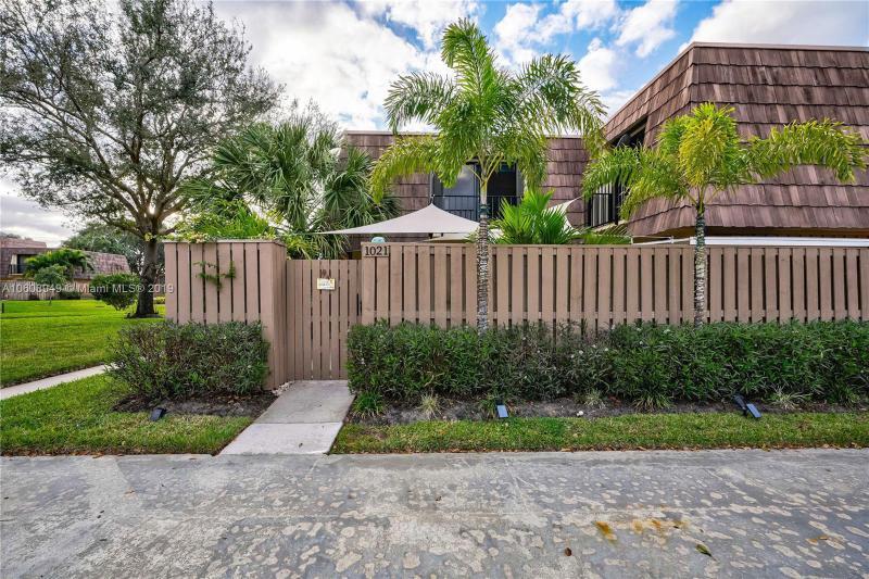 1312 13th Court, Palm Beach Gardens FL 33410-