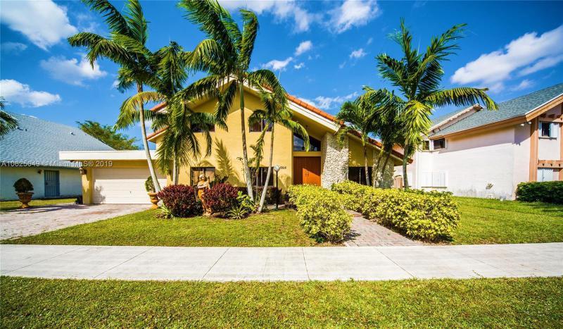13515 SW 119th St,  Miami, FL