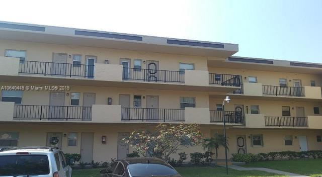 2458 Polk St, Hollywood FL 33020-7517
