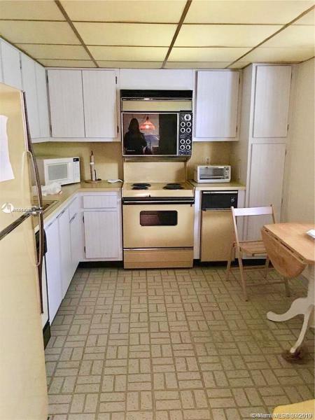 4031 N Cypress Dr 204, Pompano Beach, FL, 33069