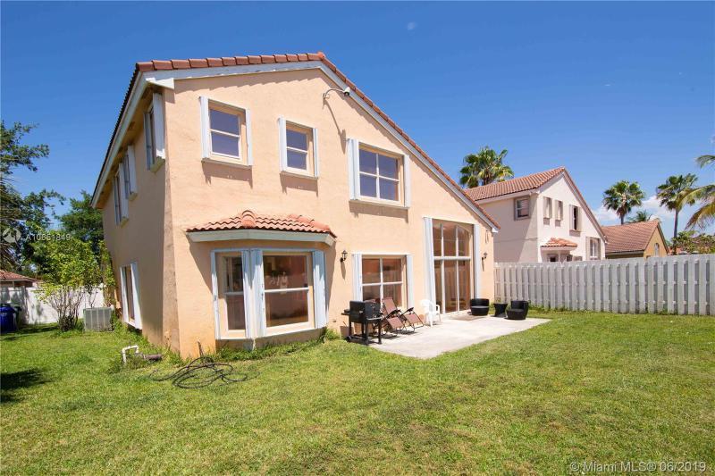 16554 NW 3rd St, Pembroke Pines, FL, 33028