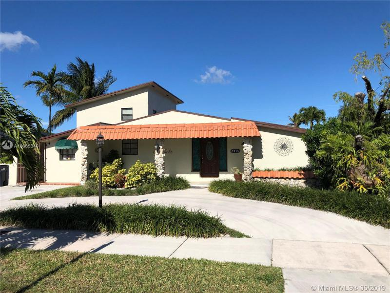 3315 SW 96th Ave,  Miami, FL