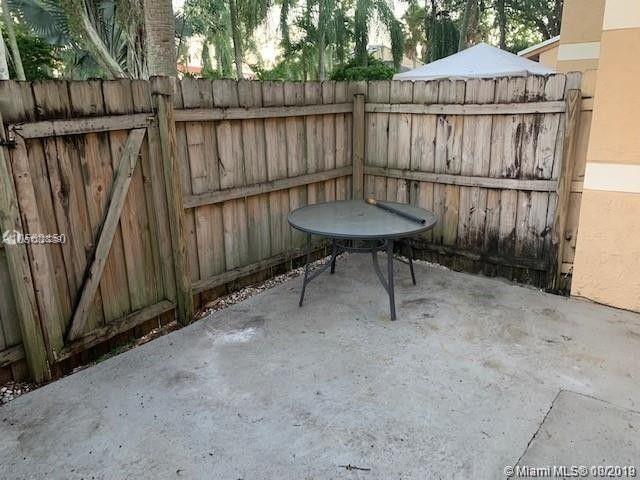 9443 N Palm Cir N 9443, Pembroke Pines, FL, 33025