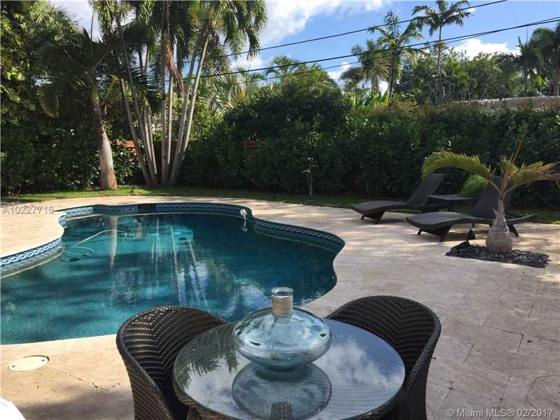 For Sale at  11211 NE 8Th Ct Biscayne Park  FL 33161 - Amd Pl Griffing Biscayne - 3 bedroom 3 bath A10227716_10