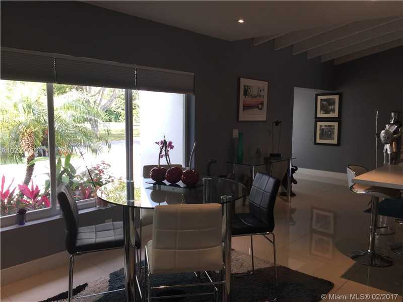 For Sale at  11211 NE 8Th Ct Biscayne Park  FL 33161 - Amd Pl Griffing Biscayne - 3 bedroom 3 bath A10227716_15