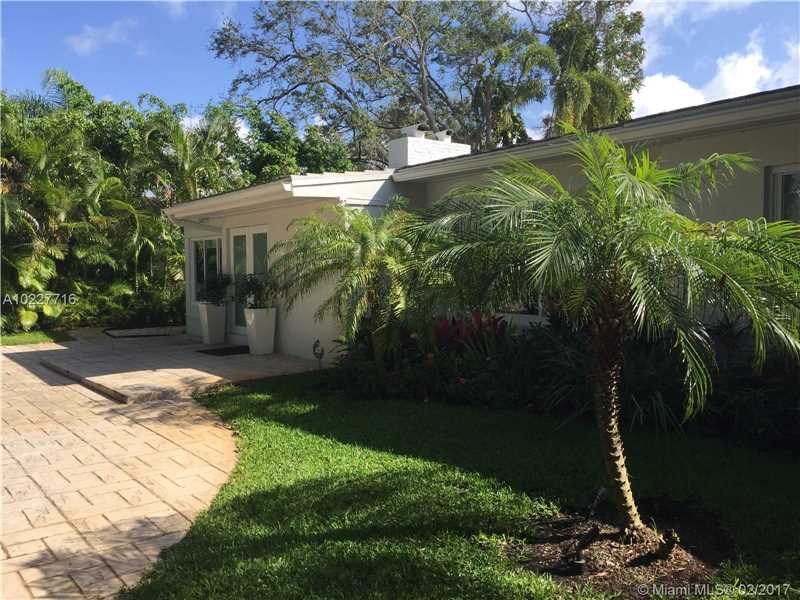 For Sale at  11211 NE 8Th Ct Biscayne Park  FL 33161 - Amd Pl Griffing Biscayne - 3 bedroom 3 bath A10227716_2