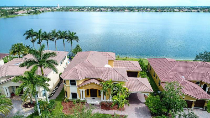 Harbour Lake Estates