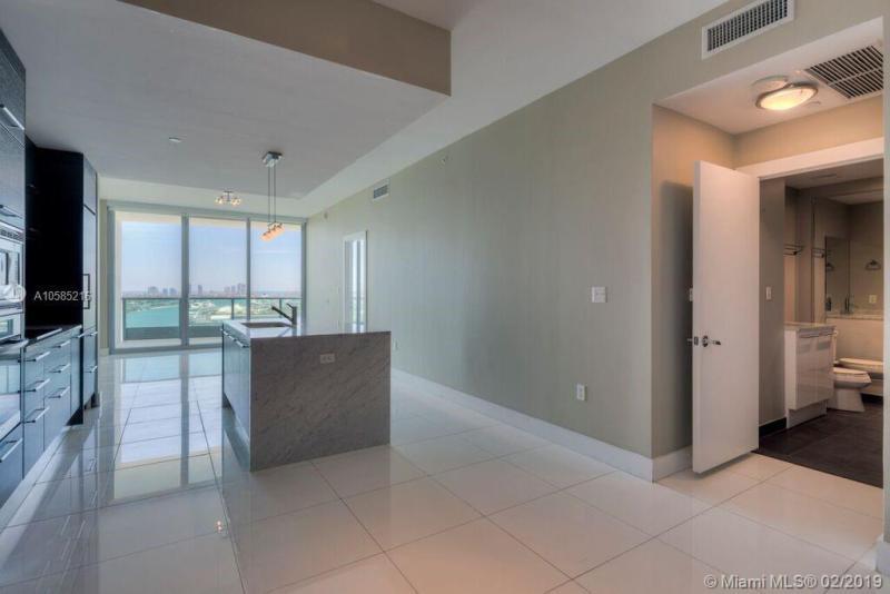 900  Biscayne Blvd,  Miami, FL