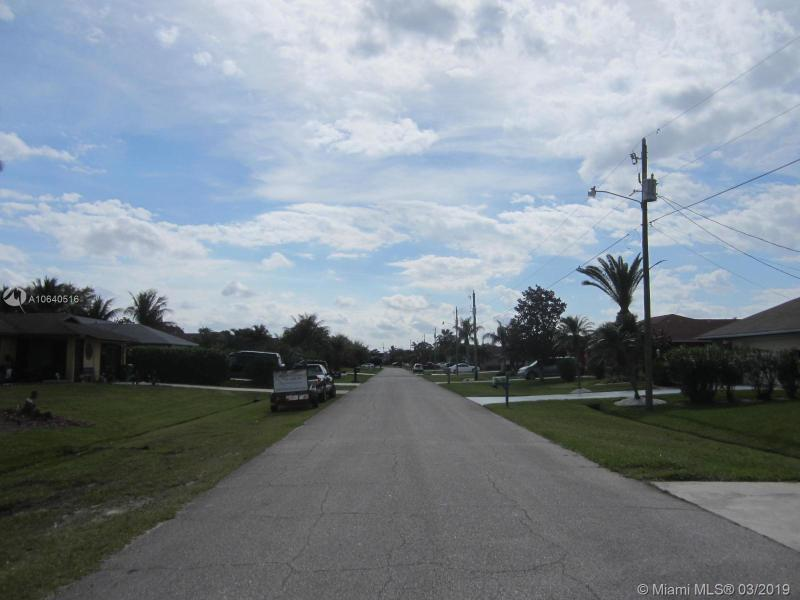 1557 SE Mariana Rd, Port St Lucie, FL, 34952