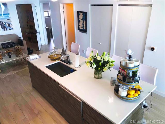 460 28th St NE, Apt 2205