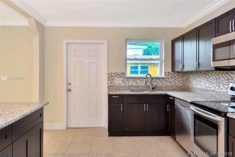 6031 SW 62nd Ter, South Miami, FL, 33143