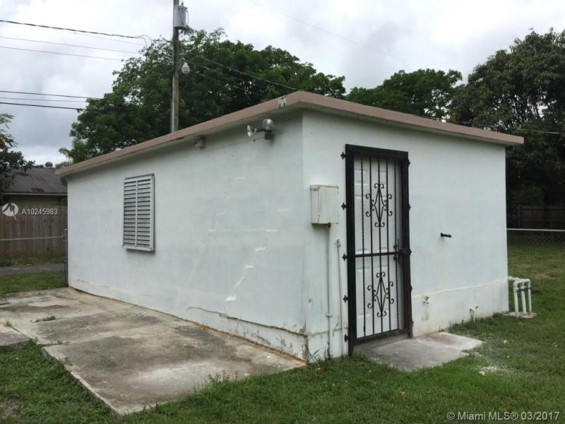 For Sale at  1030 NW 134Th St North Miami  FL 33168 - Biscayne Village Heights - 2 bedroom 1 bath A10245983_14