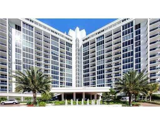 50  Park Dr , Bal Harbour, FL 33154-1345