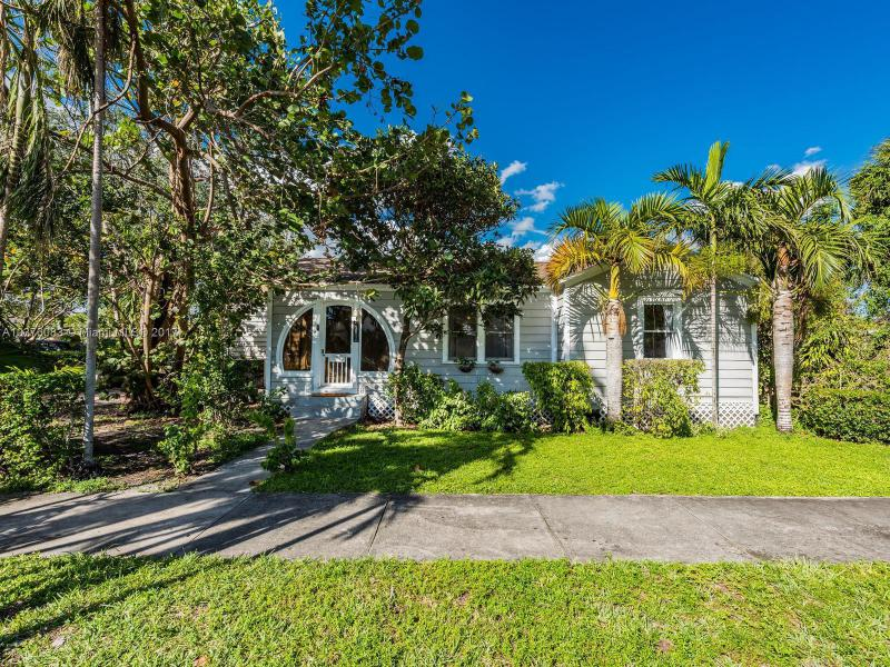 281  Glendale Dr , Miami Springs, FL 33166-5021
