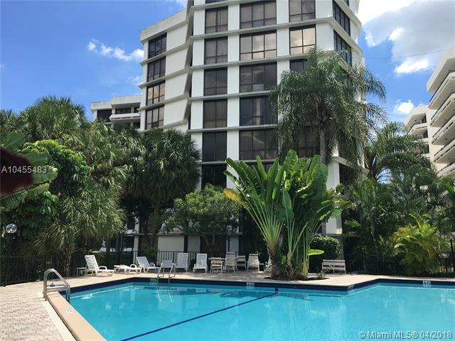 Photo of 13951 Kendale Lakes Circle #305A, Miami, FL 33183