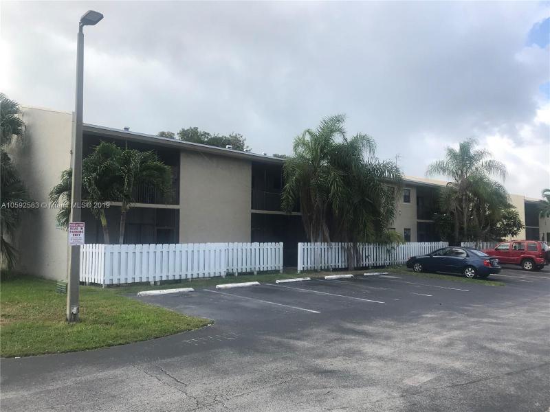 10370 SW 220th St  Unit 212 Cutler Bay, FL 33190-1124 MLS#A10592583 Image 2