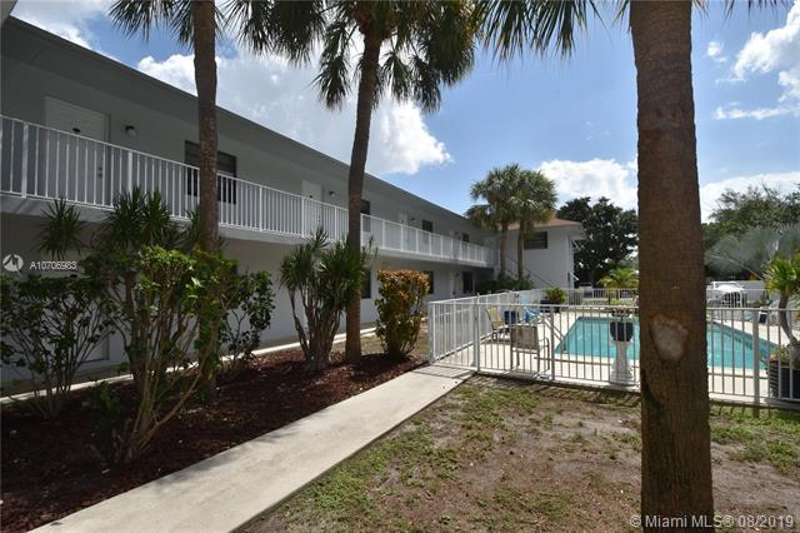 1401 NE 53rd St,  Fort Lauderdale, FL