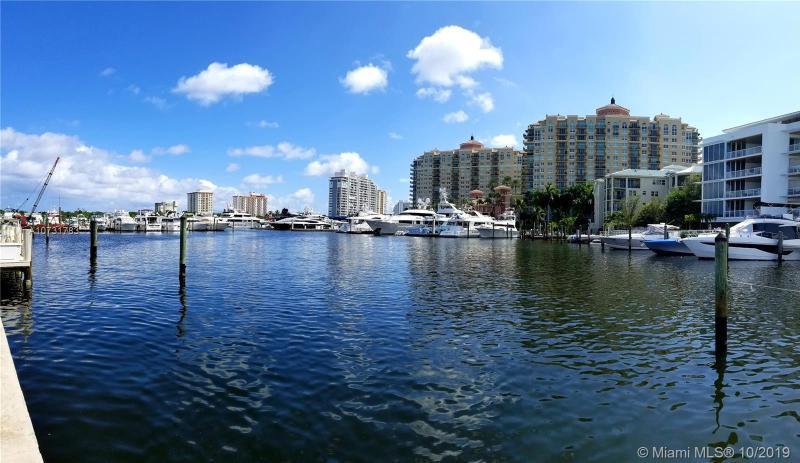 2700  Yacht Club Blvd,  Fort Lauderdale, FL