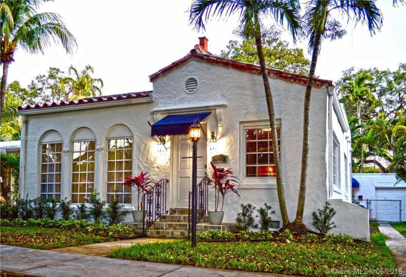 826 Medina Ave, Coral Gables in Miami-Dade County, FL 33134 Home for Sale
