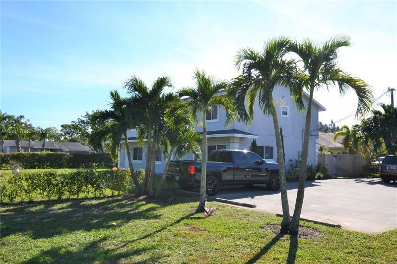 4473 Gulfstream Road, Lake Worth FL 33461-