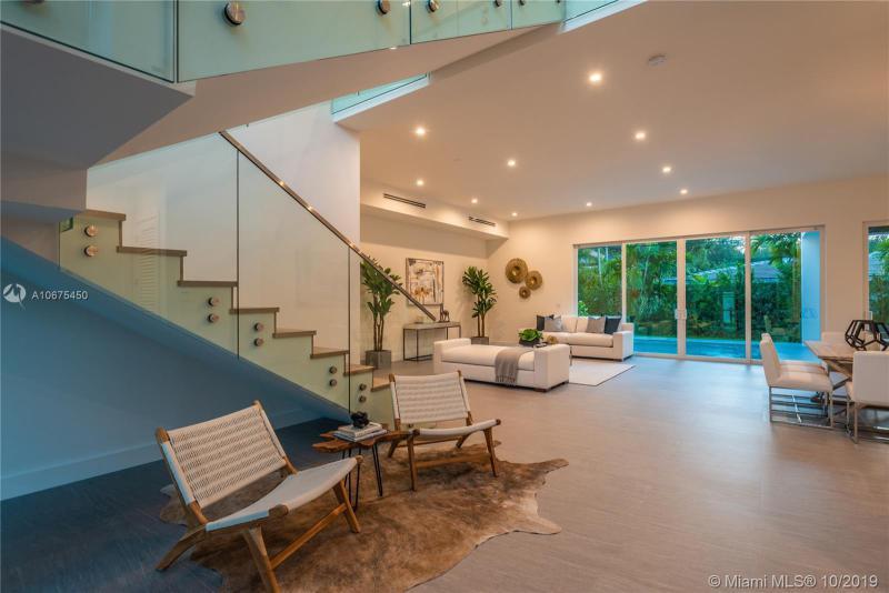 6910 Leonardo St, Coral Gables, FL, 33146